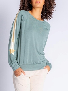 Gold Star Long Sleeve Pullover